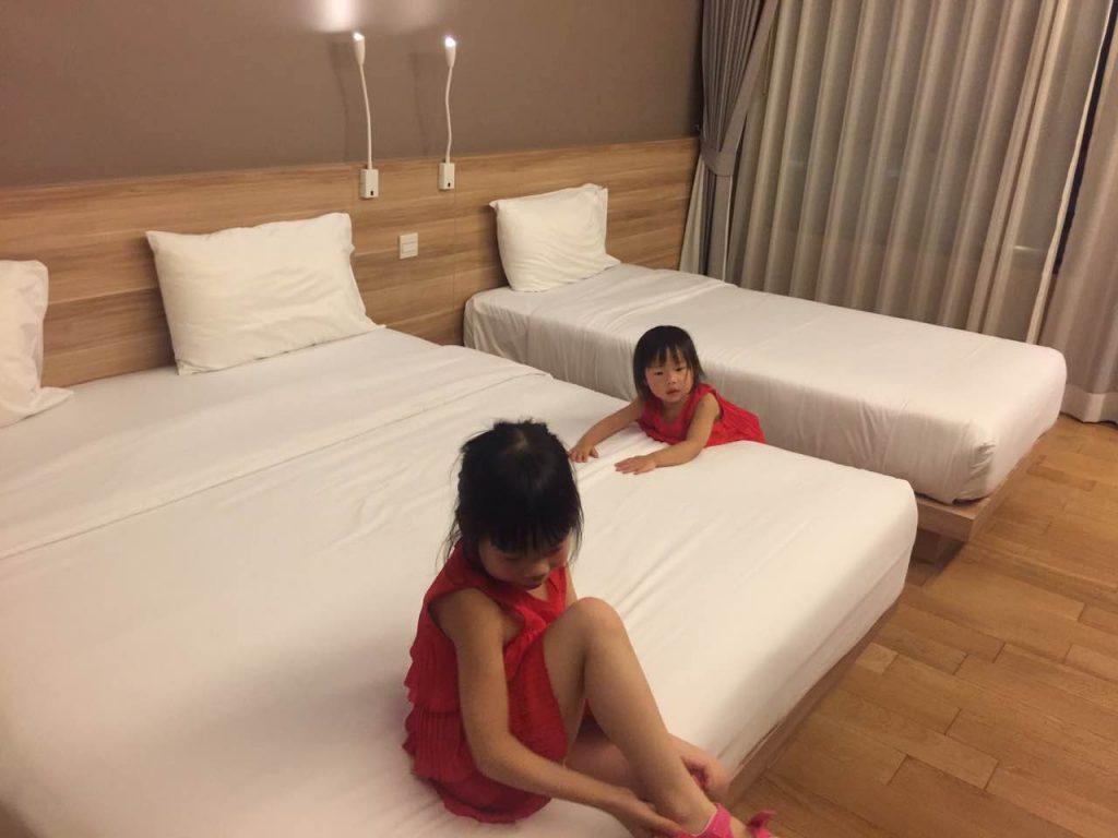 家庭房小套房一共有两张床